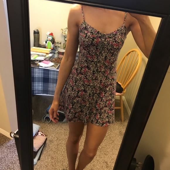 American Eagle Outfitters Dresses & Skirts - AE button up floral dress